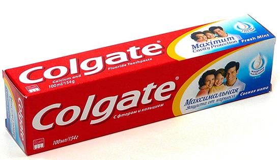 Зубная паста Colgate с фтором и кальцием