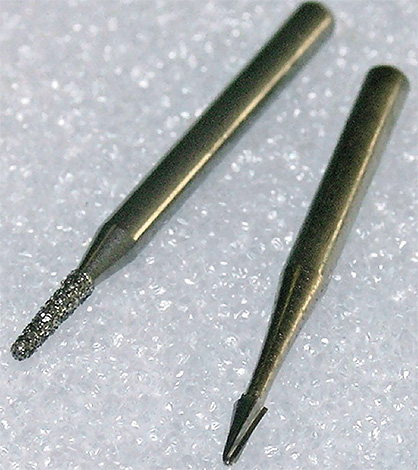 Вот такие стоматологические боры используются для фиссуротомии