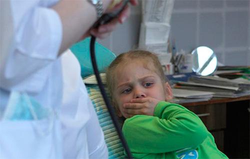 К сожалению, многие дети, и не только в раннем возрасте, очень боятся врачей-стоматологов и вида бормашины.