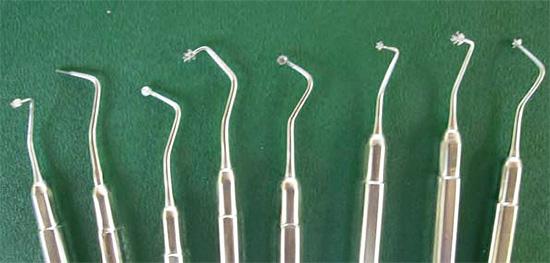 Так выглядит набор стоматологических инструментов для лечения кариеса с помощью ART-методики