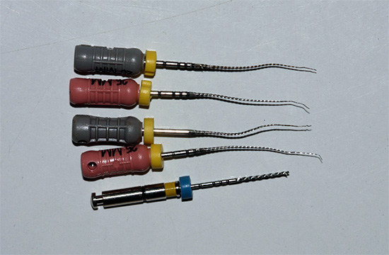 Стоматологические файлы - используются при очистке зубных каналов.
