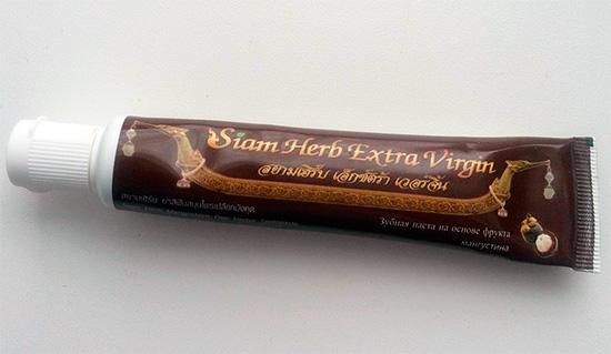 Тюбик с пастой Siam Herb Extra Virgin.