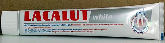 Тюбик пасты Lacalut White