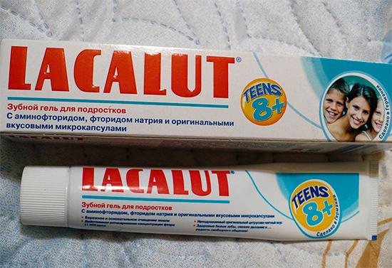Зубную пасту Лакалют Тинс правильнее называть гелем (этот продукт предназначен для детей старше 8 лет).