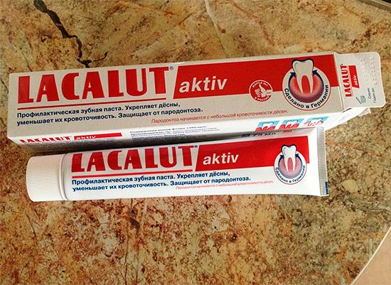 На фото в качестве примера показана зубная паста Лакалют Актив