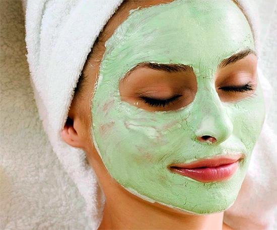 Категорически не рекомендуется делать из зубных паст маски на лицо, так как это может нанести серьезный вред коже.