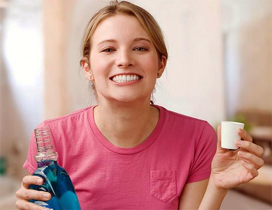Сегодня в продаже имеется множество специальных ополаскивателей для полости рта, которые тоже вполне могут подойти для снятия зубной боли.