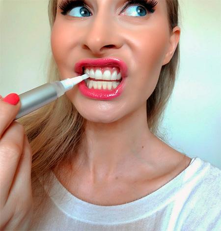 Для отбеливания зубов в домашних условиях весьма популярны сегодня так называемые отбеливающие карандаши.