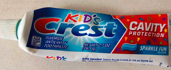 Детская зубная паста Crest Kids Cavity Protection.