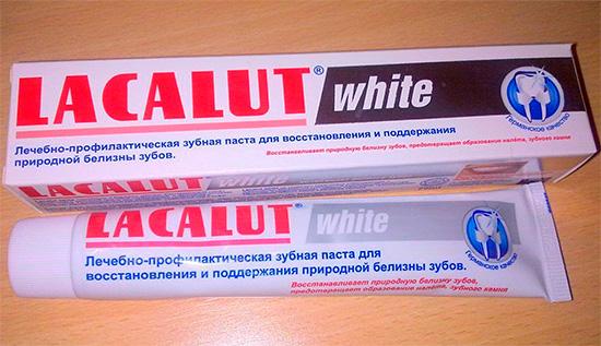 Немецкая отбеливающая зубная паста Lacalut White.