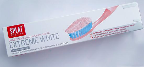 Еще одна паста с пероксидом карбамида - Splat Extreme White.