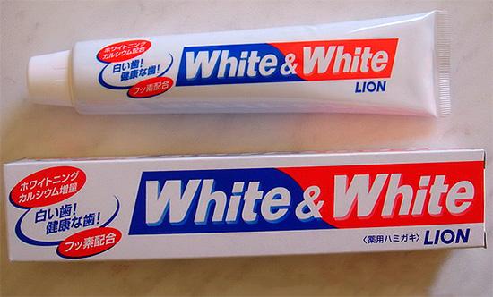 Знакомимся с отбеливающей японской зубной пастой White & White от компании Lion...