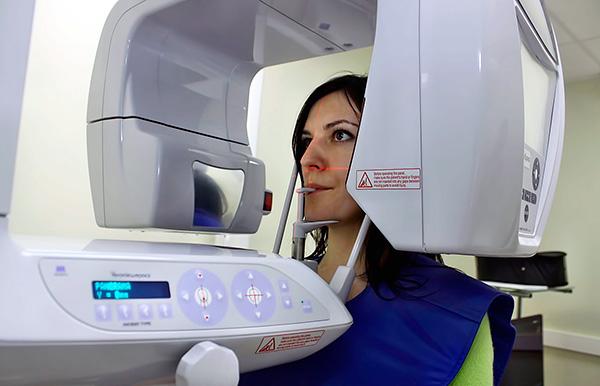 Разрешающей способности стоматологического ортопантомографа не всегда хватает при проведении базальной имплантации.