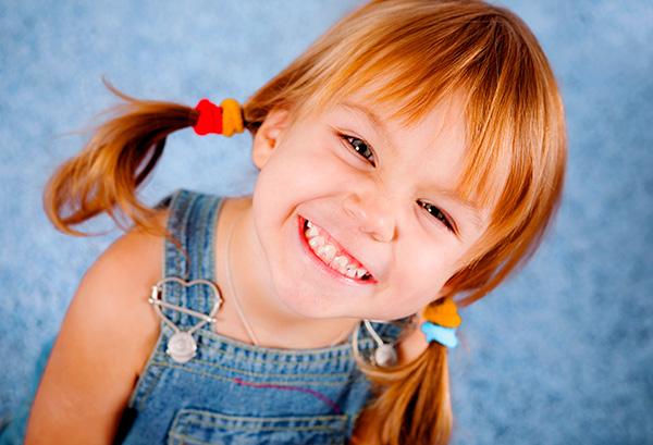 Родителям нужно стремиться к тому, чтобы сохранить здоровыми все молочные зубы ребенка до их естественной смены.