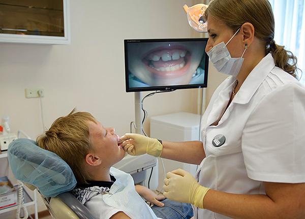 Диагностика аномалий прикуса начинается с внешнего осмотра пациента...