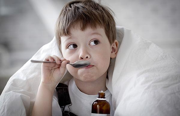 При выборе того или иного обезболивающего препарата очень важно учитывать возраст ребенка.